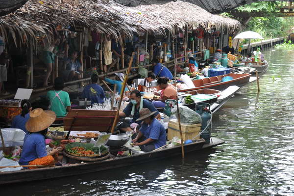 Khlong Lat Mayom floating markets