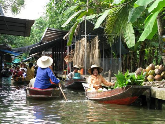Taling Chan floating markets